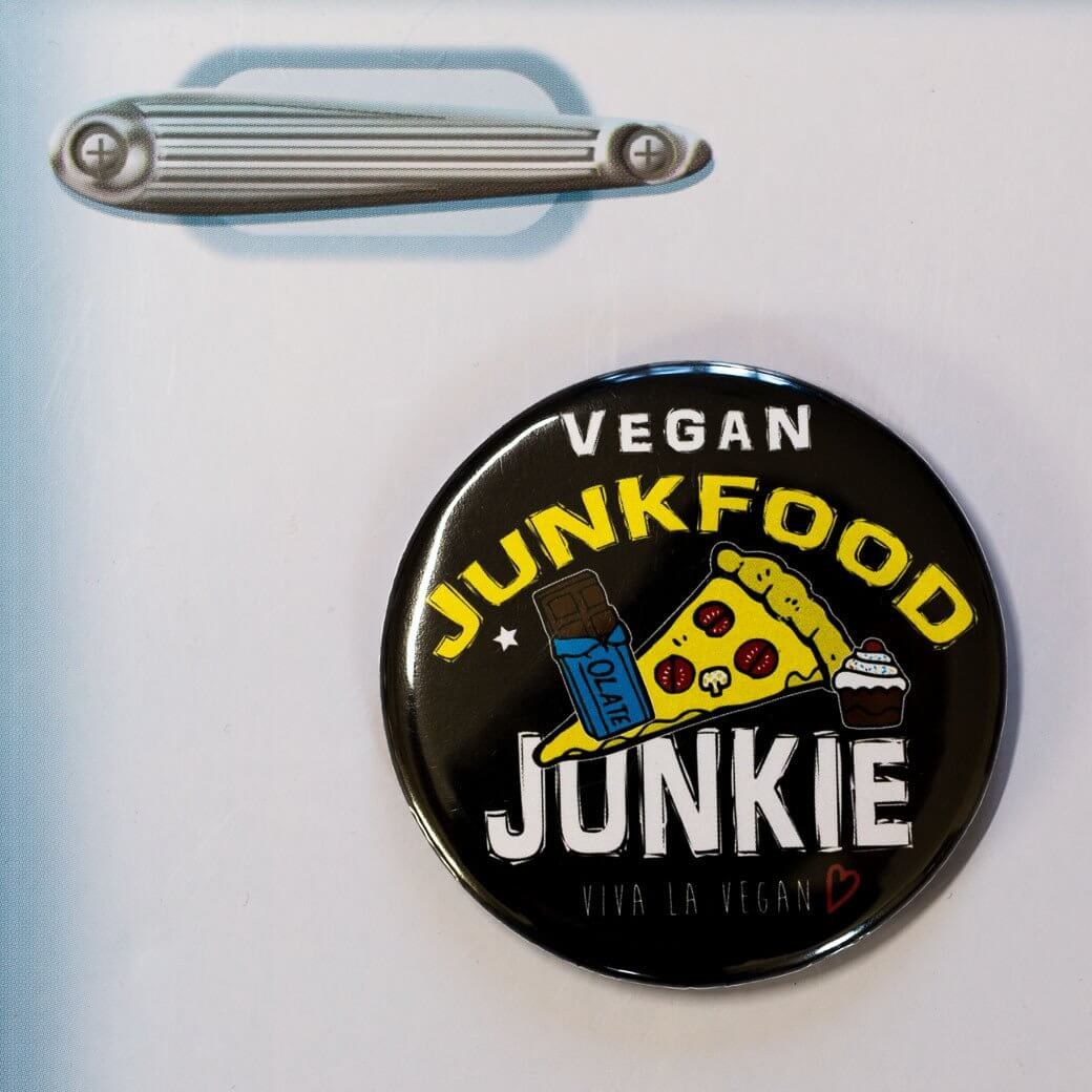 Fridge Magnet: Junk Food Junkie