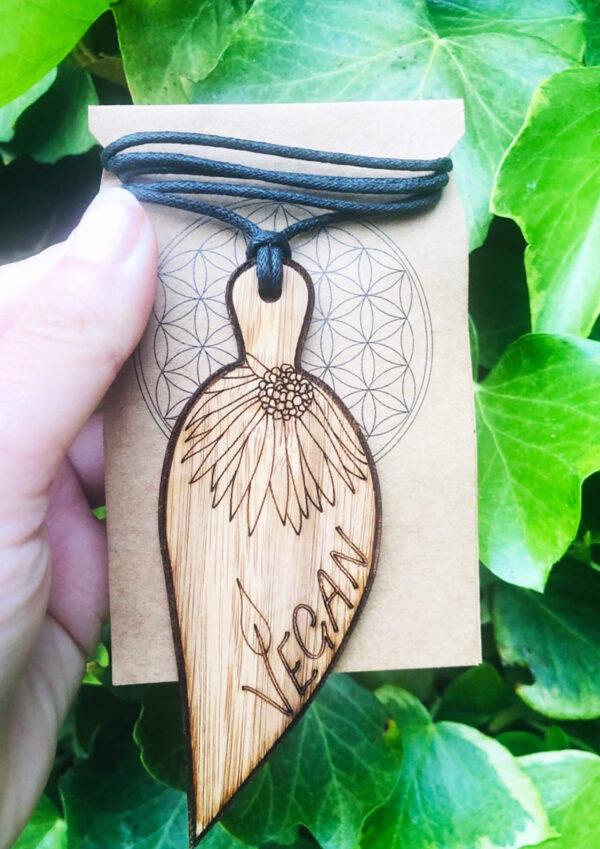 Boho chic bamboo Pendant leaf design